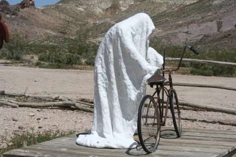 I once bicycled through Death Valley as part of a 10,000 mile solo bike trip I made around North America. I can empathize with this guy.