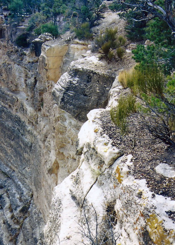 Steep drop offs are a common factor in all trails leading into the Grand Canyon. The first trails were created by Native Americans. Later miners, rustlers, and companies interested in promoting tourism would enhance the original trails and create new ones.