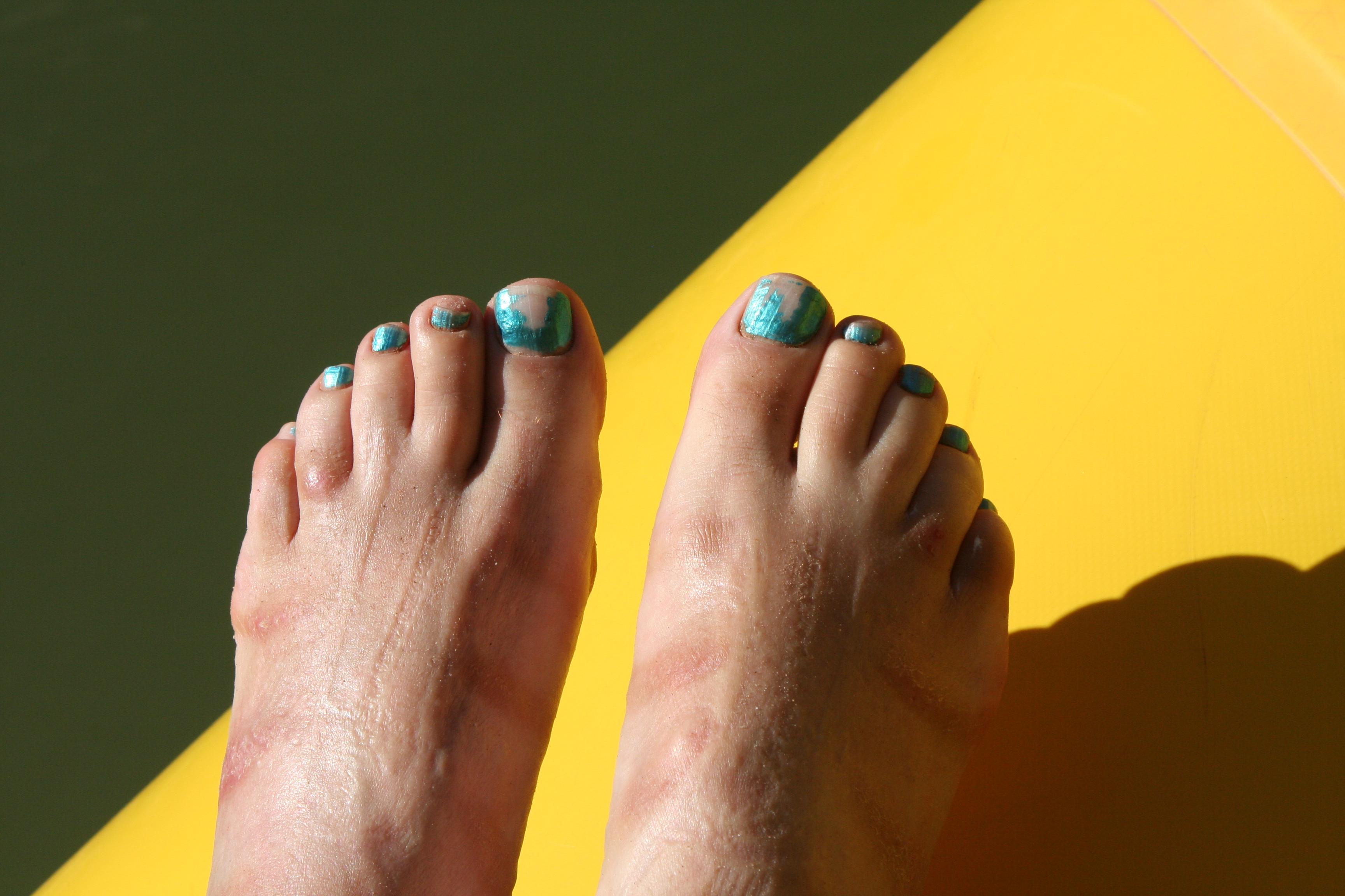 guys who paint their toenails
