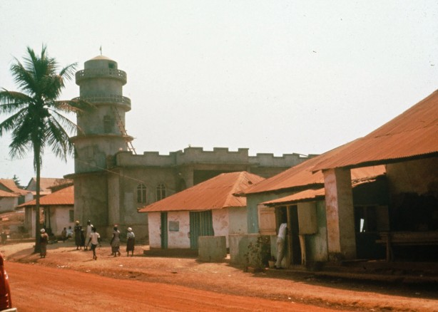 The new mosque was much larger than other buildings on Gbarnga's main street. (1966)