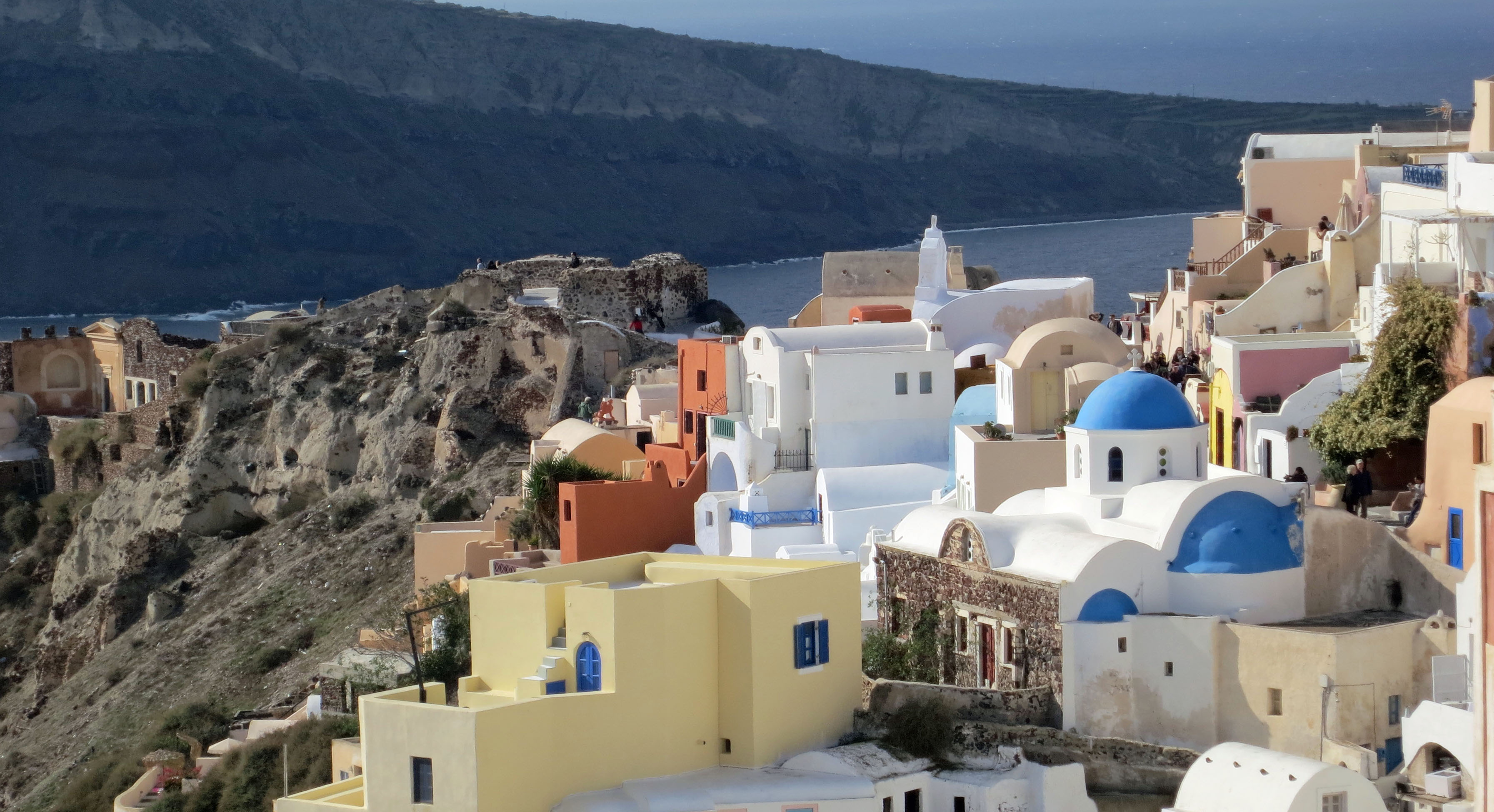 I'll close this blog with a final shot of Oia. The blue domed building is one of the towns many beautiful churches, which I will feature in my next blog.
