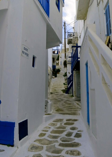 Routes through Mykonos are much more likely to look like this.