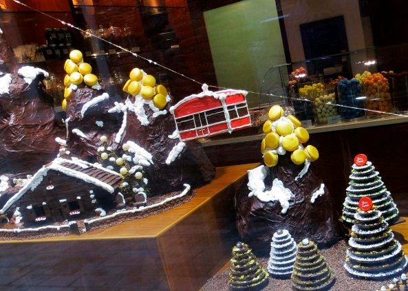 A Venetian chocolatier created a ski scene from his product in his window.  I almost lost Peggy...