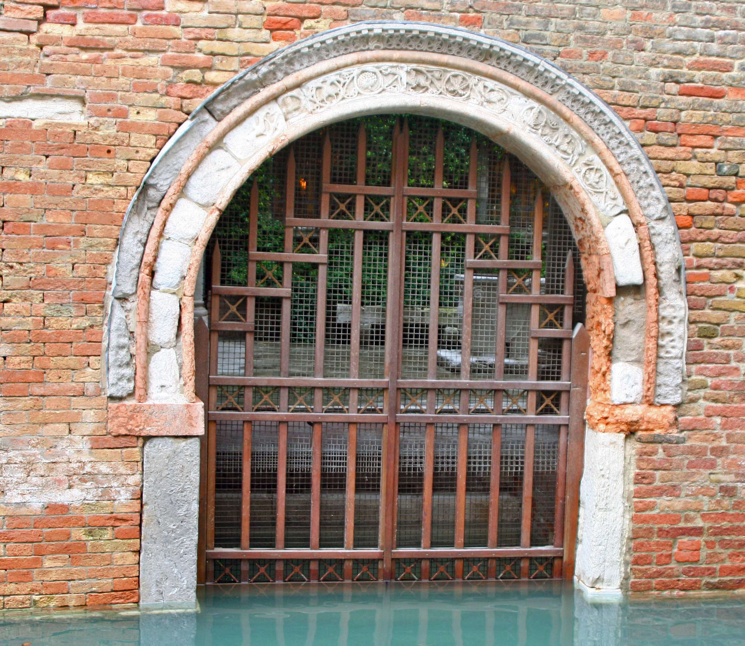 Peggy captured this interesting entrance way. I assume it would have been taller in the early years before sinking and global warming.