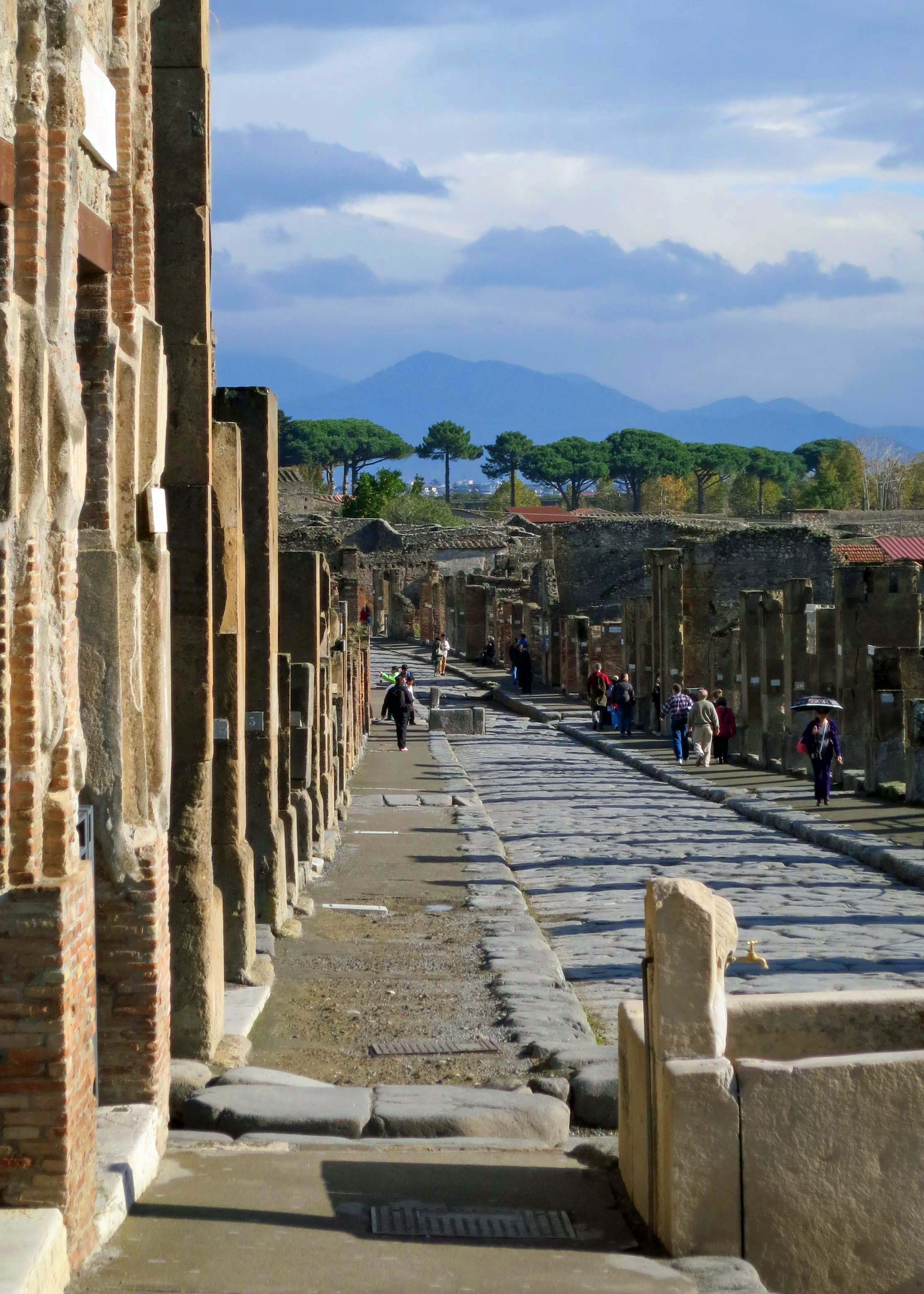 The walls and streets of Pompeii are amazingly well preserved.