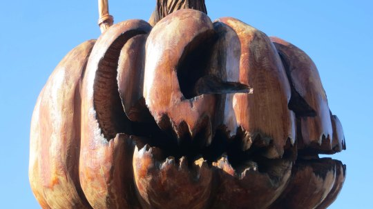 Chainsaw wood carving at Chetwynd, BC