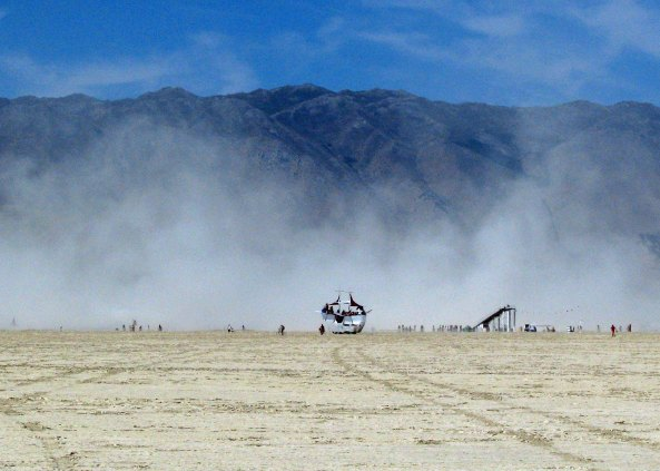 One of numerous dust storms makes it way across the Black Rock desert, engulfing people and mutant vehicles alike. (Photo by Don Green)