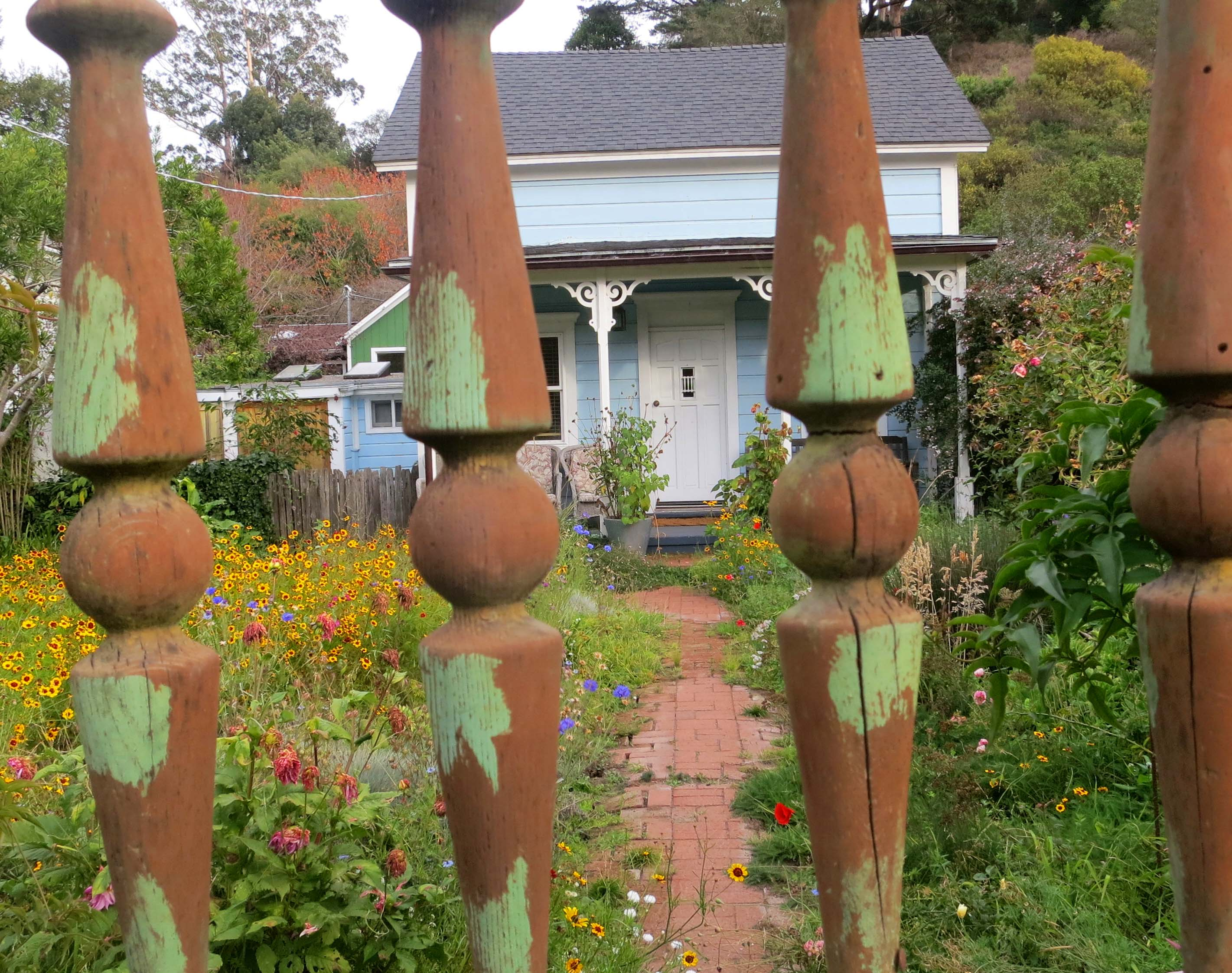 A home in the town of Bolinas, California. Photo by Curtis Mekemson.
