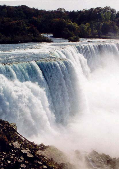 Niagara Falls photo by Curtis Mekemson.