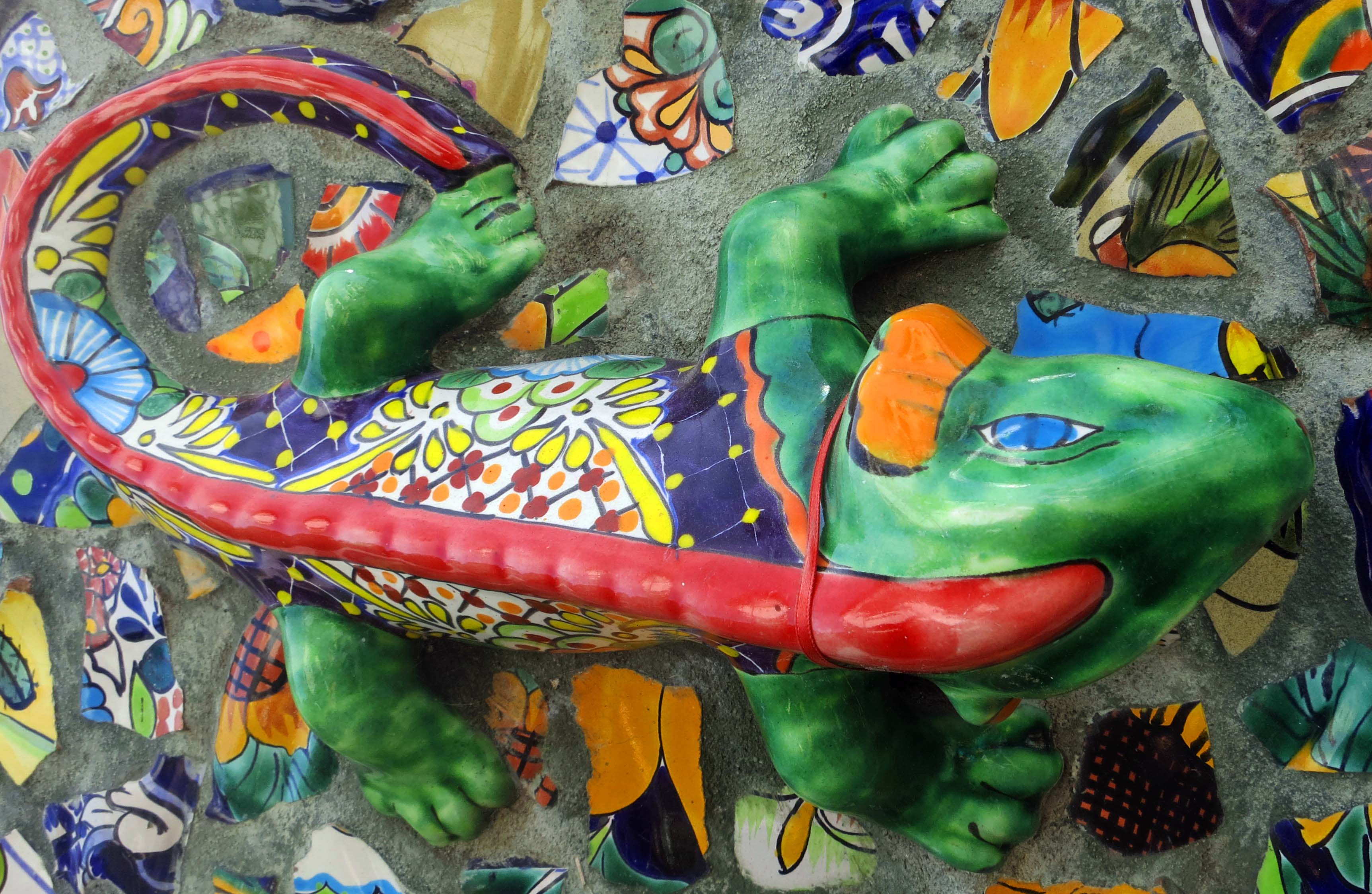 Puerto Vallarta mural featuring iguana. Photo by Curtis Mekemson.