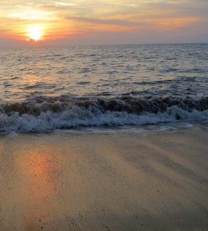 Sunset photo capturing sand, sea and sky in Puerto Vallarta. (Photo by Curtis Mekemson.)