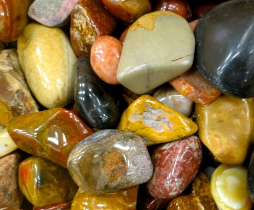 Polished agates at the Crater Rock Museum in Central Point, Oregon. Photo by Curtis Mekemson.