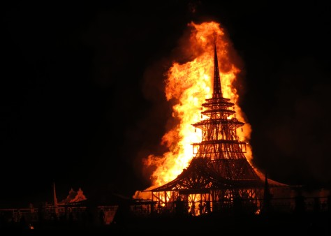 The burning of the Temple on Sunday night sends thousands of messages to loved ones wafting into the sky.