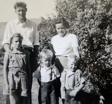 Born in Ashland, Oregon, I moved with my parents, sister Nancy, and brother Marshall to the Bay Area. I'm the little one.