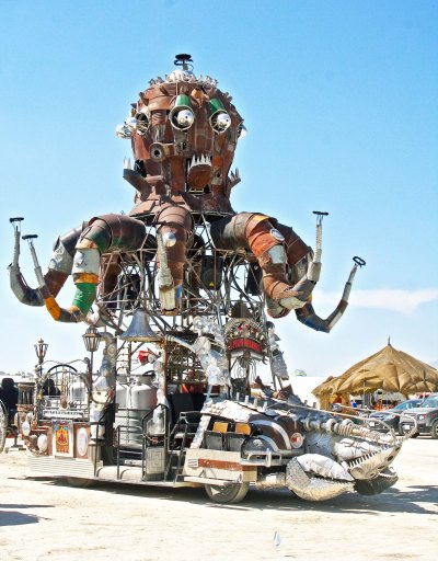 El Pulpo Mechanico during the day at Burning Man 2014.