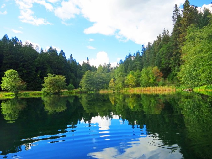 Photo of Squaw Lake in Southern Oregon. Photo by Curtis Mekemson.