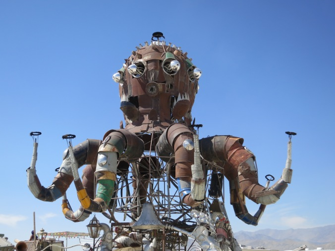 El Pulpo Mechanico at Burning Man 2014.