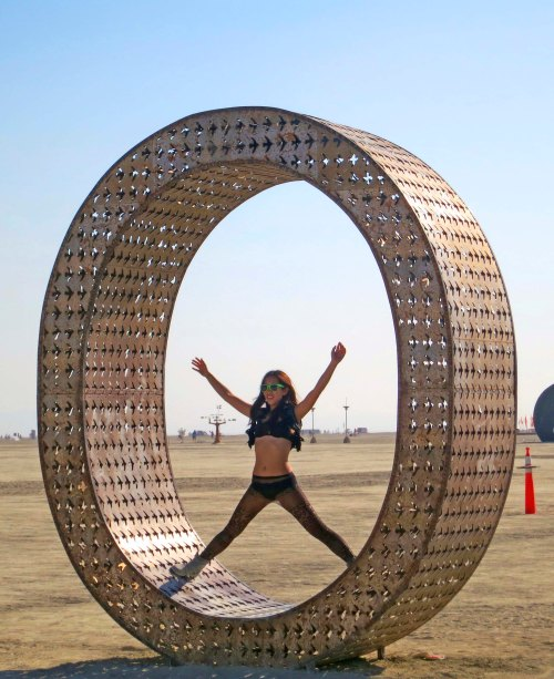 Big O in Love sculpture at Burning Man 29014. Photo by Curtis Mekemson.