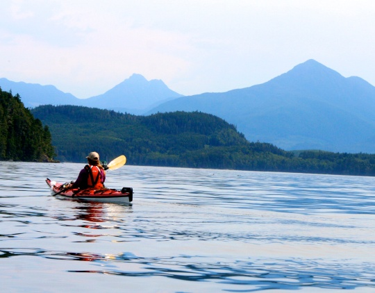 After lunch, we followed out trip leader, Julia, out into Blackfish Sound. As you will note, most of our on-water photos are taken by Peggy. I was busy paddling. (grin) (Photo by Peggy Mekemson.)