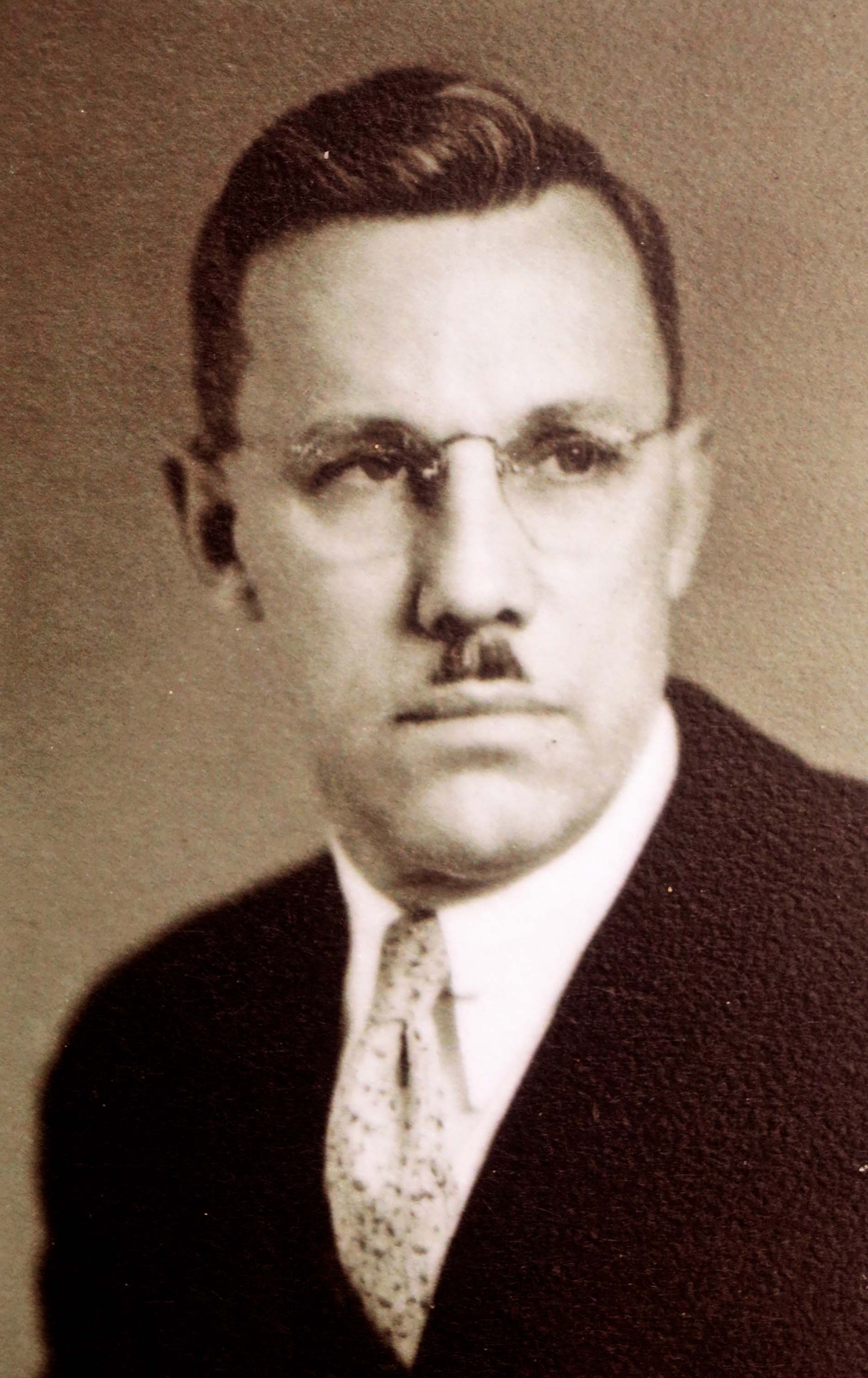 Conde McCollough served as Oregon's state bridge engineer from 1919 to 1935, following which he spent a couple of years designing bridges along the Pan American Highway in Central America.
