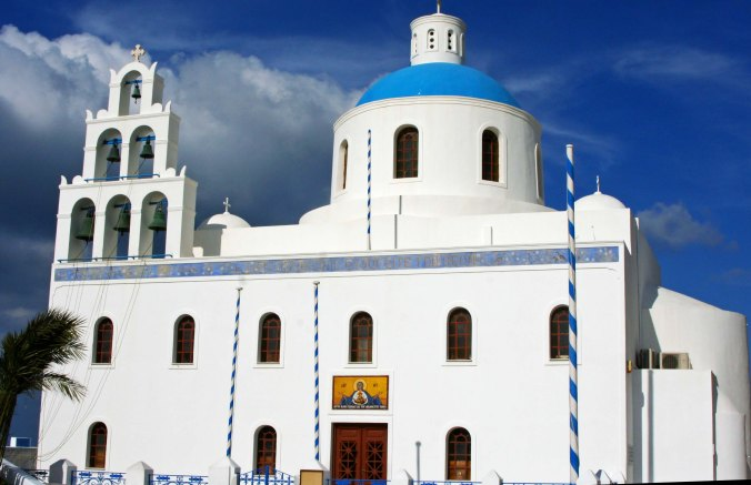 The Church of Panagia Platsani is the first church we encountered in Oia. (Photo by Peggy Mekemson.)