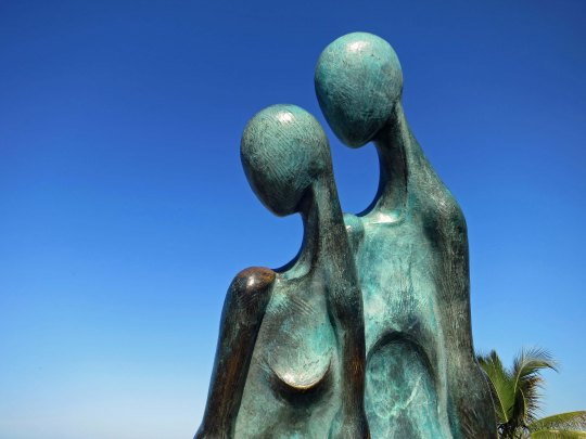 and this beautiful sculpture that suggests that two heads are better than one.