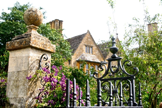 Hidcote Manor (hedged rooms and sculptured hedges)