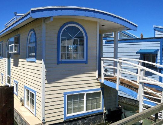 House Boats in Sausalito come in a wide range of shapes, colors and sizes.