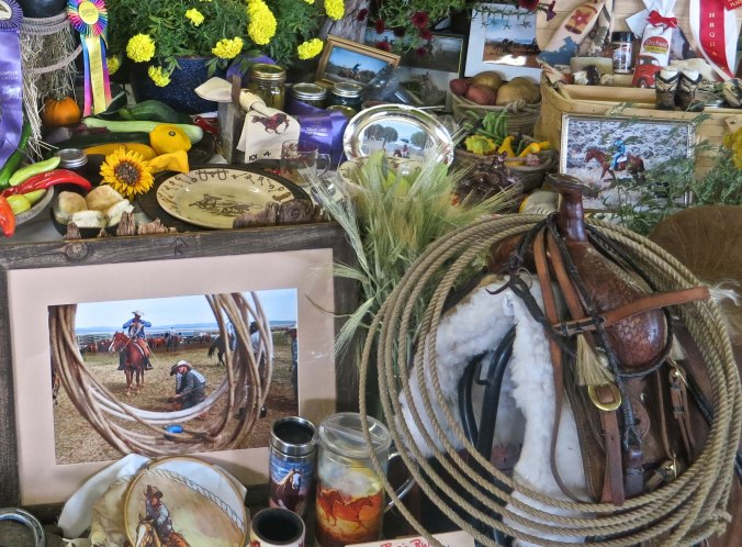 And finally a challenge. Less you have any doubt that this is horse and cowboy/cowgirl country, how many horses can you find in this collage?