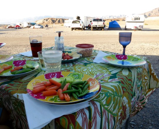 This is the same lot at Furnace Creek where my tent had flying lessons. Ken, Leslie, Peggy and I were about to enjoy afternoon snacks.