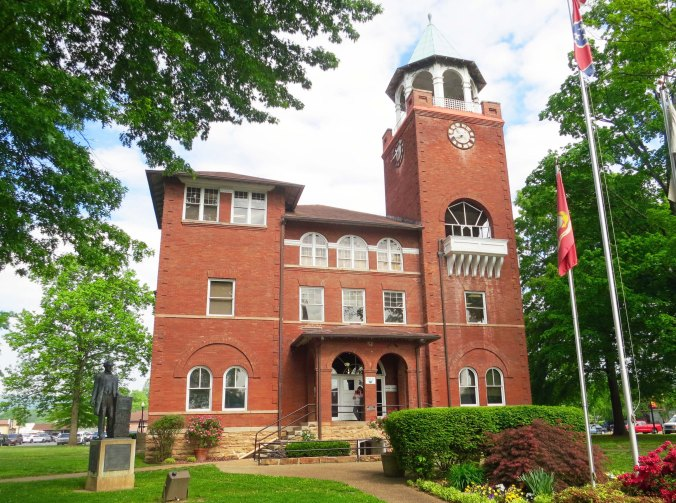 In 1925, William Jennings Bryan debated with Clarence Darrow in this courthouse over whether evolution should be taught in Tennessee schools.