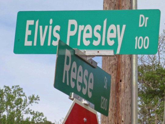 This road takes you to the Presley Museum in Tupelo that is located where Elvis was born.