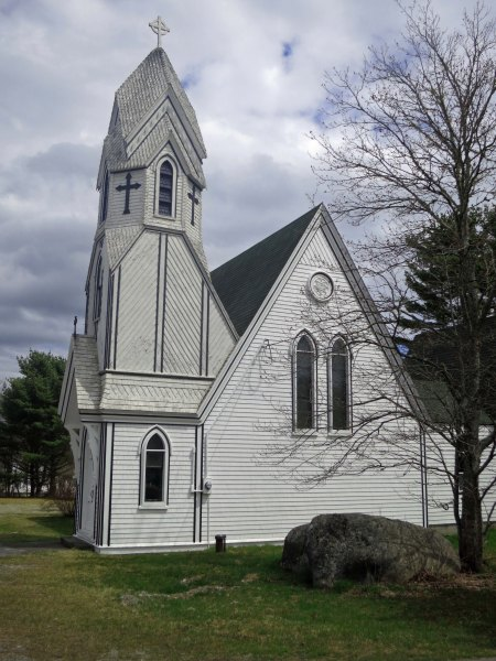 Back on track, following the coast south out of Yarmouth, we came on this unusual Anglican Church, which represented Nova Scotia's English heritage for me.