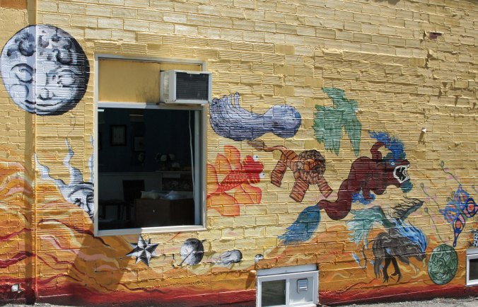A number of murals decorated the downtown. This was my favorite.