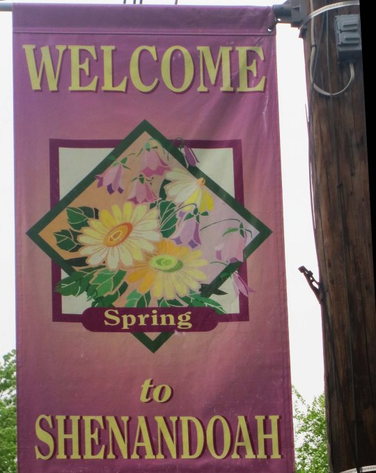 Welcome sign to Shenandoah.