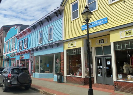More fun buildings in Yarmouth.