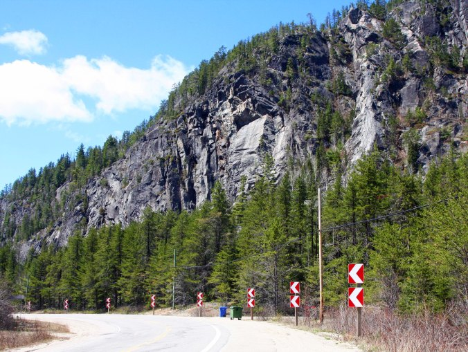 The Palisades on top were impressive. The signs suggested I make a left turn.