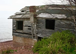 Old cabin on Minnesota's scenic Highway 61 along the north Shore of Lake Superior.