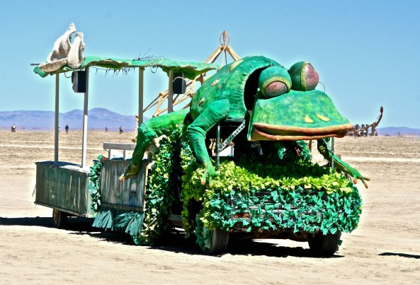 Frog mutant vehicle at Burning Man.