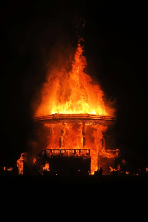 Temple of Golden Spike shoots flames into the air, Burning Man 2017