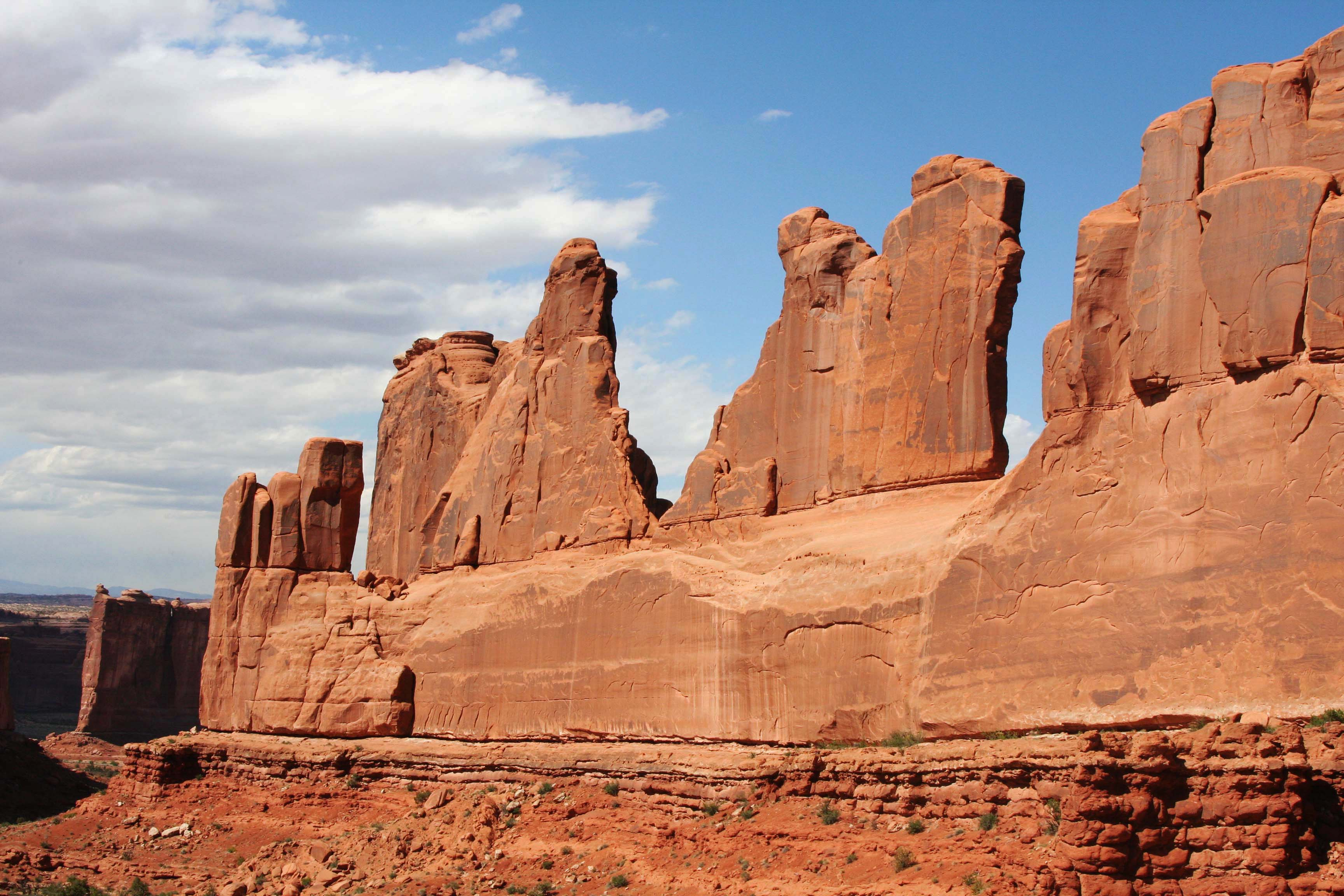 Park Avenue in Arches National Park 3_edited-1