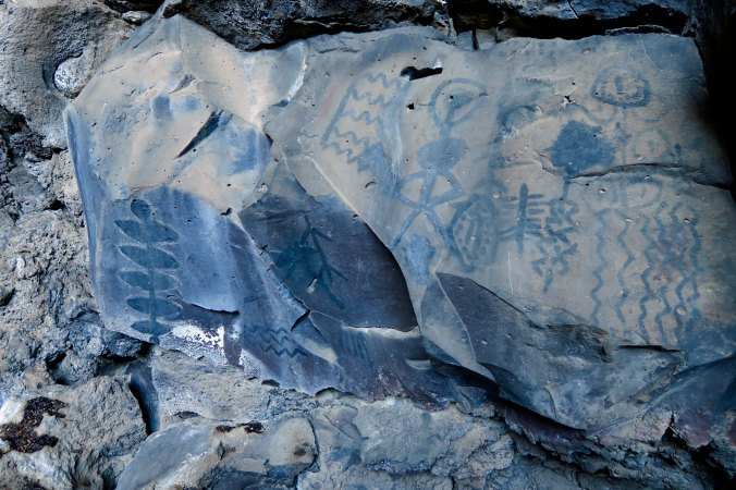 Pictoglyphs at Lava Beds National Monument