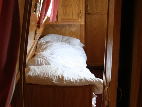 Single bed on a narrowboat