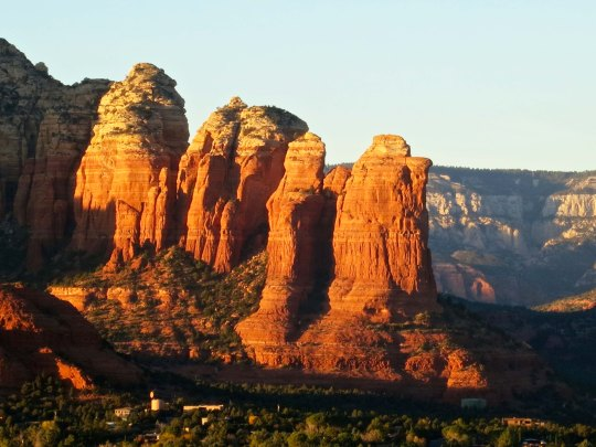 Sunrise on rocks west of Sedona