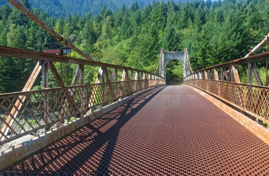 Alexandra Suspension Bridge, BC