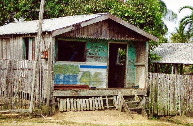 Business in Nova Airao, Brazil