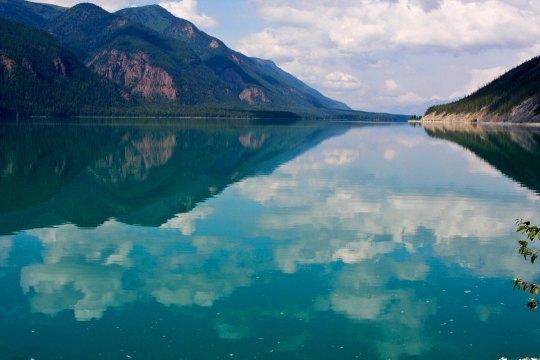 Muncho Lake 6